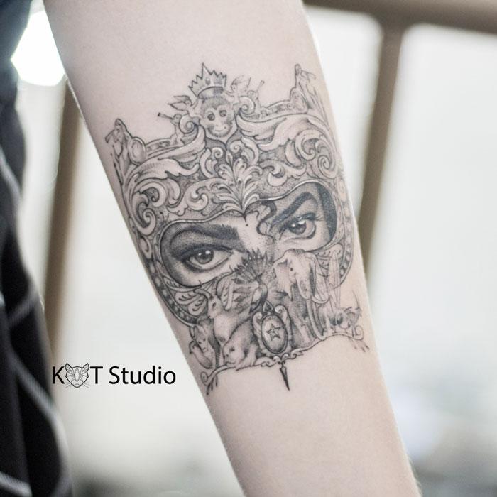 Тату портрет Майкла Джексона. Татуировка для девушек в стиле дотворк и графика
