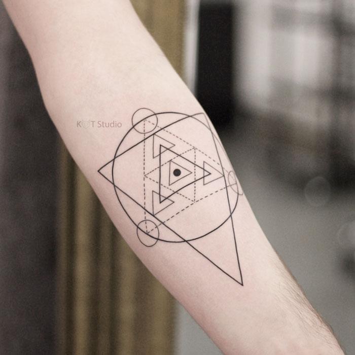 Мужское тату на предплечье геометрия. Мужская татуировка на руке