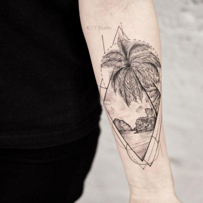 Тату на руку девушке в стиле графика и дотворк. Татуировка на предплечье с пальмой, морем и геометрией